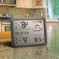 AcuRite 75077 Weather Forecaster with Jumbo Display, Remote