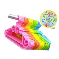 Children's Plastic Coat Hangers Colorful Kids Hangers 5pcs
