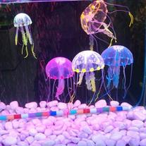Lesypet 15 pcs Glowing Effect Artificial Jellyfish for