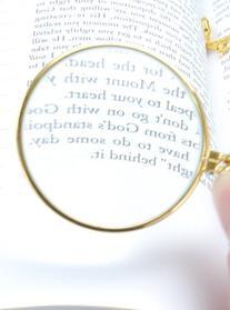 HI MG105G 5x Magnifier Pendant Gold Finish Necklace