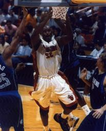 SHAQUILLE O'NEAL MIAMI HEAT 8X10 SPORTS ACTION PHOTO