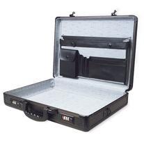 "RoadPro SPC-941G Black 17.5"" x 4"" x 13"" Aluminum Briefcase"